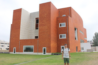 http://atecarturo.com/2015/09/biblioteca-universitaria-aveiro-alvaro.html