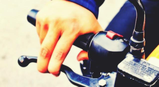 cara gampang menganti gagang handgrip motor