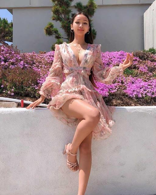 Cô gái Việt nổi tiếng ở Mỹ vì nóng bỏng, thành tích học tập cũng đáng nể