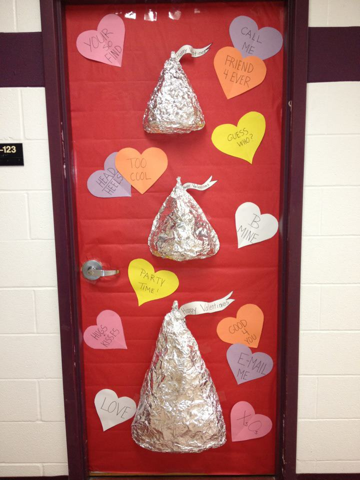 Valentine Door Decorations Ideas to spread the seasons ... |Valentines Day Door Decorations