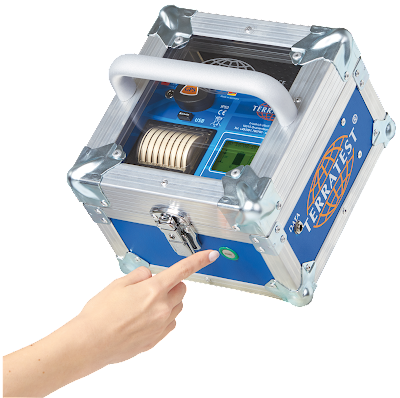 """Die Messelektronik in """"ROBUSTA"""" ist bei Wind und Wetter geschützt und kann mit dem Außentaster bedient werden."""