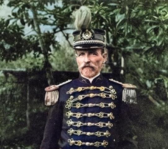 Major Ernesto Guilherme Young, com a farda da Guarda Nacional, no início do século XX.