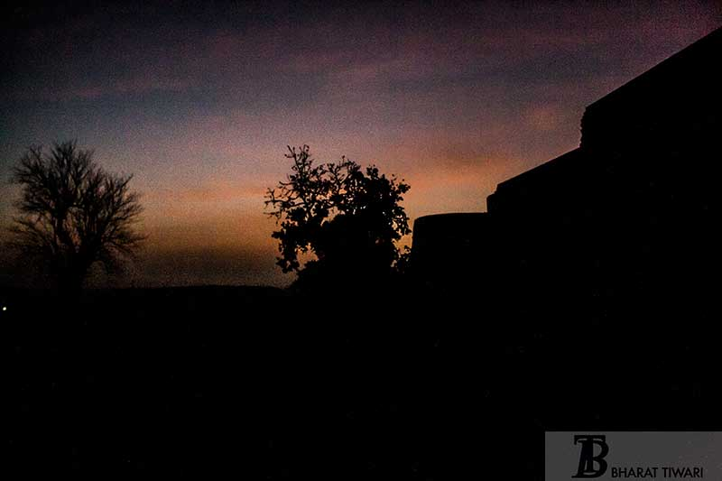 Silhouette da Chanderi fort —  Photo © Bharat Tiwari