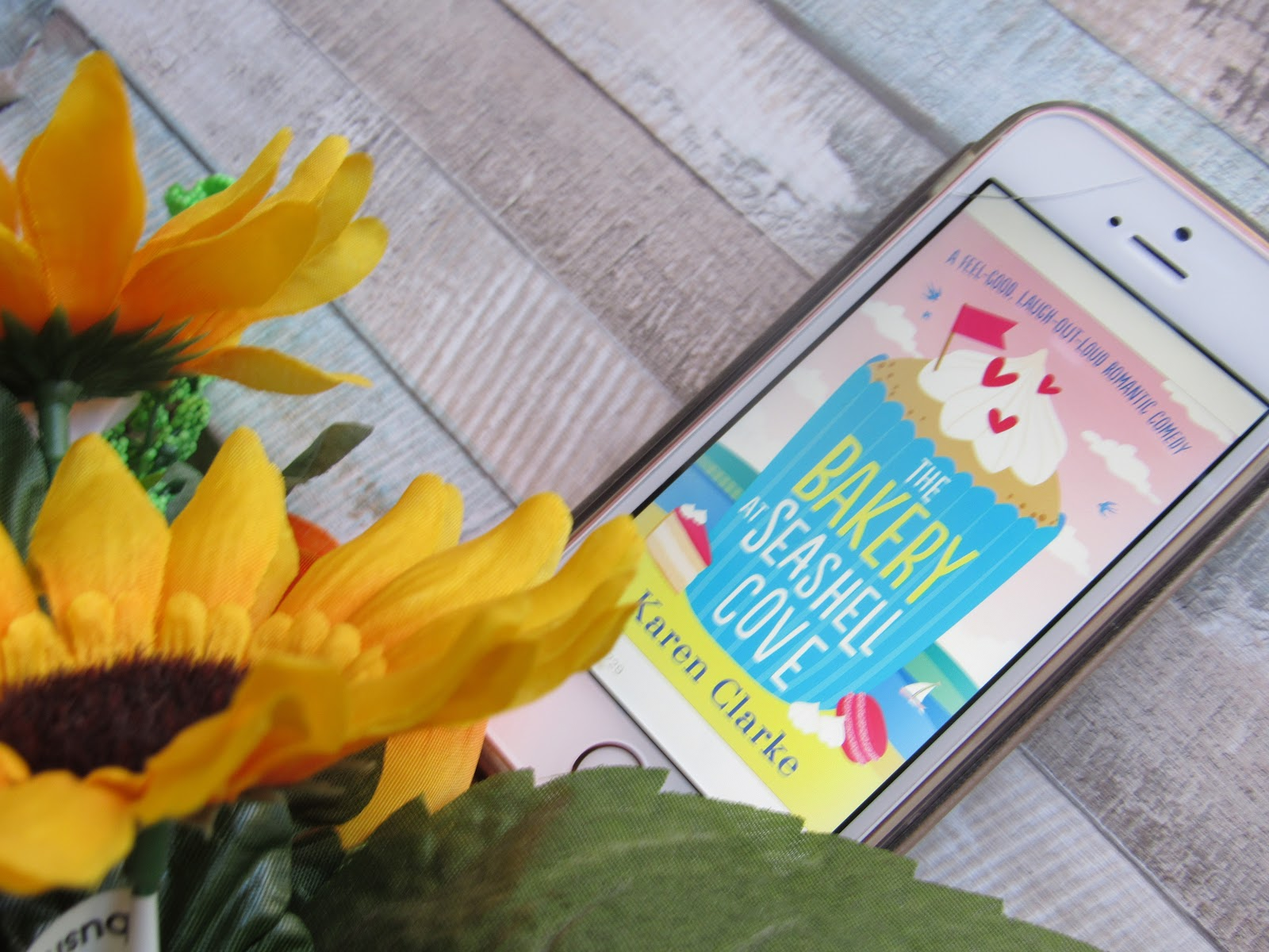 Book Review | The Bakery At Seashell Cove By Karen Clarke