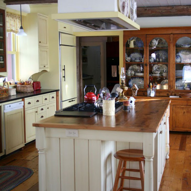 Farmhouse Style Kitchen Islands