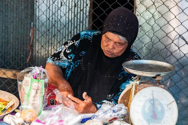 Ban-Saladan-market-Koh-Lanta-Thailande
