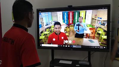 Pengalaman berSKYPE di Bilik STEM Classroom @ SMK Jenjarom. Besor TV dia ooiii!!