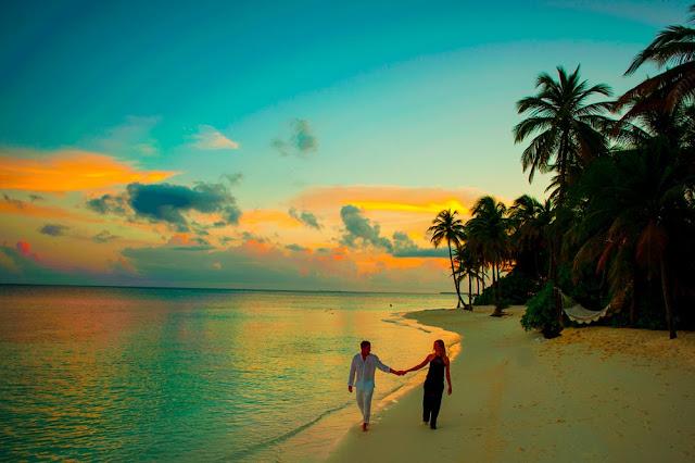Couple beach valentine's Day