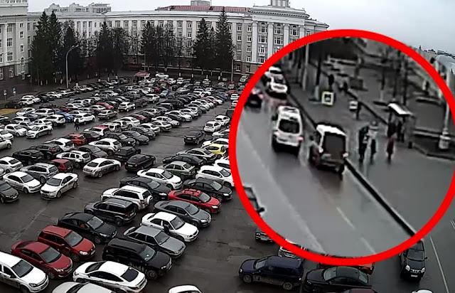 Появилось видео ЧП, произошедшего на Советской площади