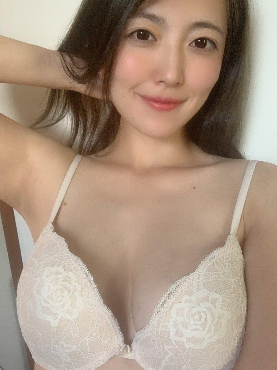 숙녀 AV배우 키노시타 리리코 - 꾸르