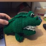 http://www.amyscrochetcave.com/2017/03/crocodile-hand-puppet.html