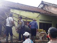 Angin Topan Terjang Puluhan Rumah Warga di Purwakarta