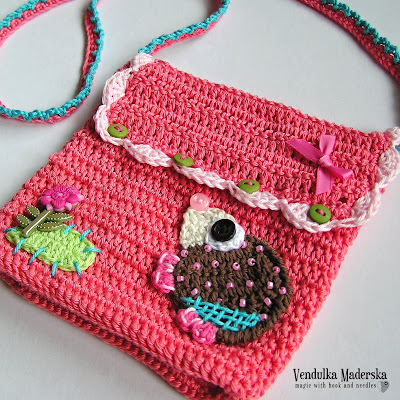 Hedgehog purse pattern by Vendula Maderska