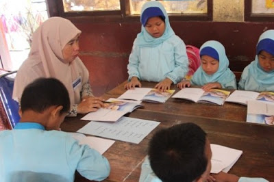 Guru Diminta Jadi Teladan Gemar Membaca Buku