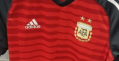 1d997a35b 1994 World Cup Inspired - Argentina 2018 Goalkeeper Kit Revealed