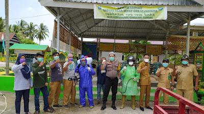 Tangkal Corona, Pemerintah Desa Lompulle Lakukan Penyemprotan Desinfektan
