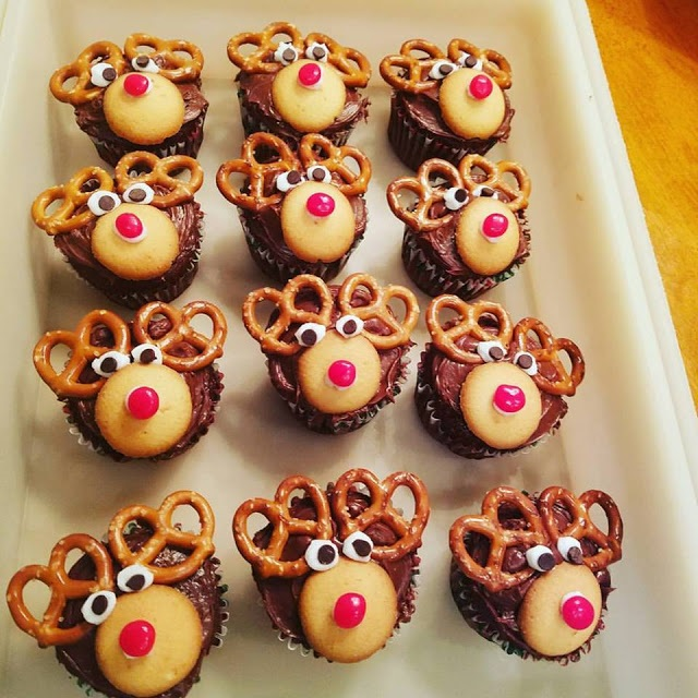 these are reindeer cupcakes for the Christmas holiday called Rudolph
