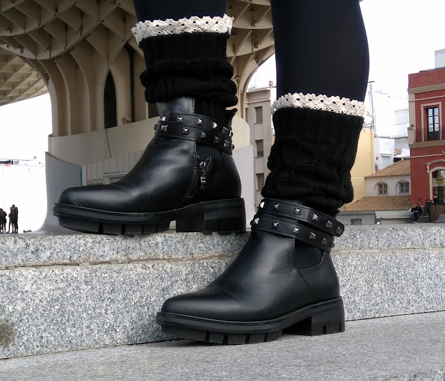 Lace-Edge-Knitted-Boot-Cuffs