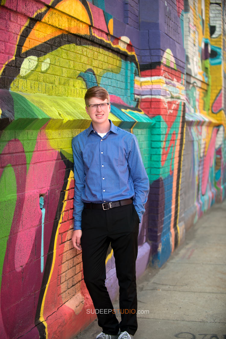 Graffiti wall Senior Picture ideas - Sudeep Studio.com Ann Arbor Photographer