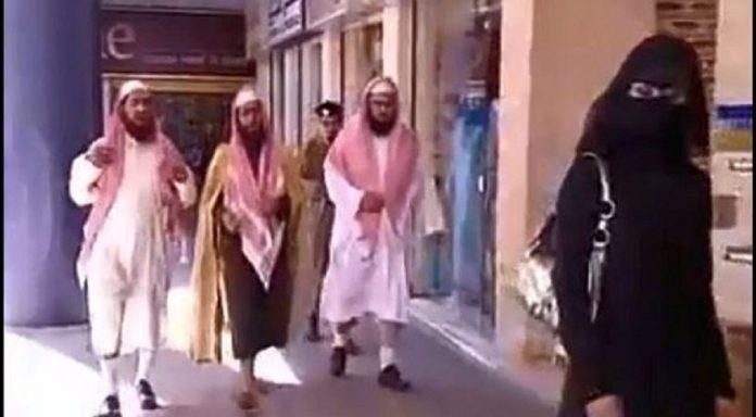 ΚΑΘΗΜΕΡΙΝΟ ΡΟΥΚΟΥΜΟΥΚΟΥ  ««Ισλαμική αστυνομία» τώρα και στα γκέτο ... b5dfb904510