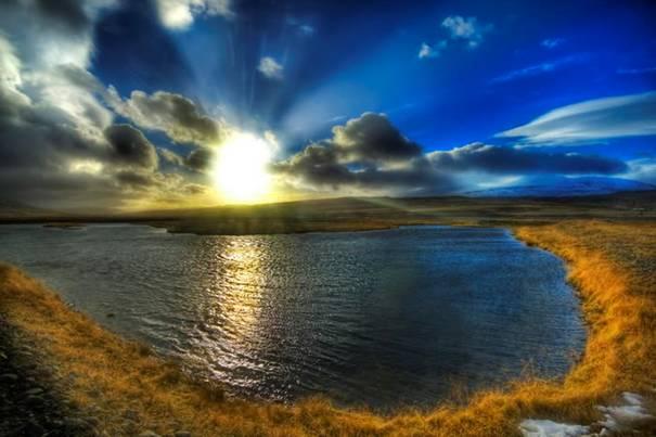 صور رائعه لجمال السماء وصفاء الماء image011-747142.jpg