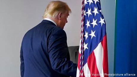 Θα απονείμει ο πρόεδρος Τραμπ χάρη στον εαυτό του;