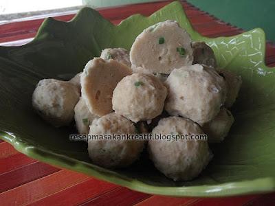 resep bakso ayam juga banyak disukai sebab bertekstur lembut Resep Bakso Ayam, Mudahnya Membuat Pentol Kenyal Padat Lembut