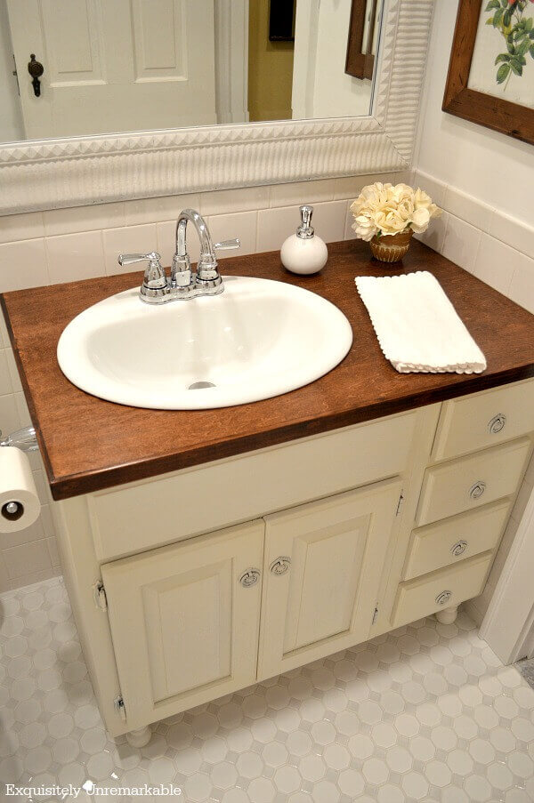 Romantic Country Farmhouse Bathroom Vanity
