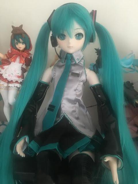 Hatsune Miku doll