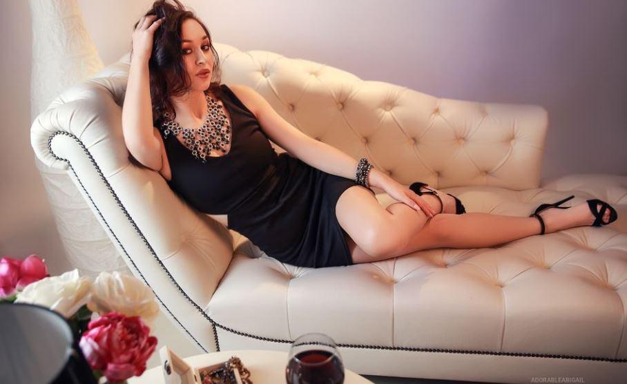 AdorableAbigail Model GlamourCams