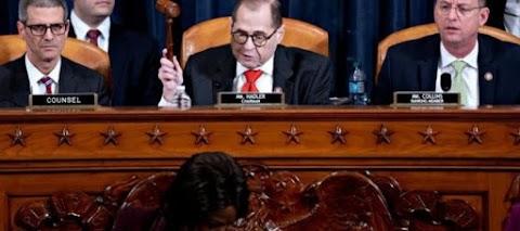 Inaprubahan ng U.S. House Panel ang mga singil, Trump Sa Brink Ng Impeachment