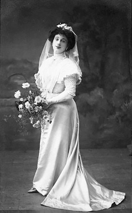 A blushing bride femulation by Arthur Grayson in 1909