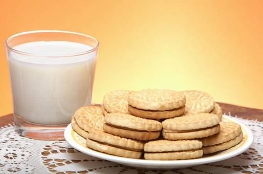 Los carbohidratos simples y lácteos, juegan un papel en el desarrollo del acné