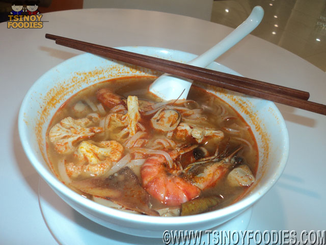 noodle in tom yum kung