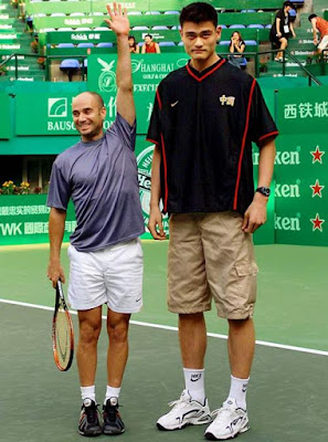 André Agassi y Yao Ming