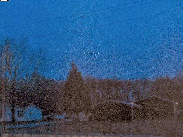 Penampakan UFO Di Indiana, AS, Tahun 2008 Berhasil Diabadikan Oleh Warga