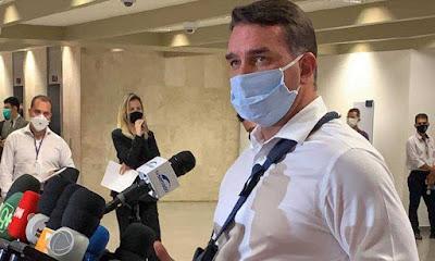 Flávio Bolsonaro reclama que CPI pode causar aglomerações