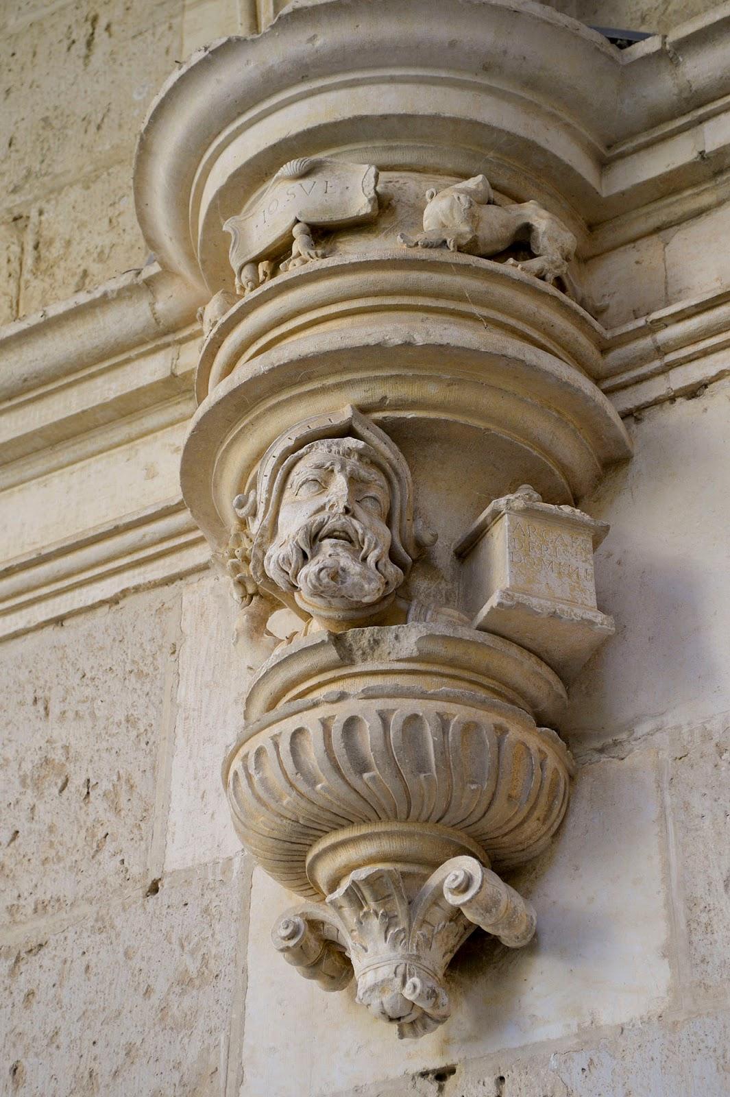 claustro monasterio san zoilo carrion condes palencia