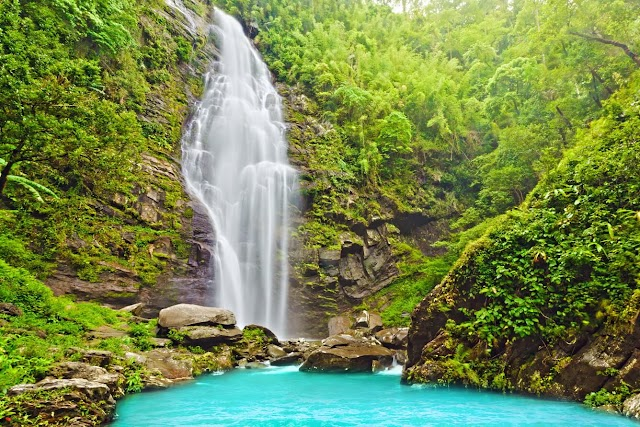 Suggest attractive destinations when traveling to Nghe An