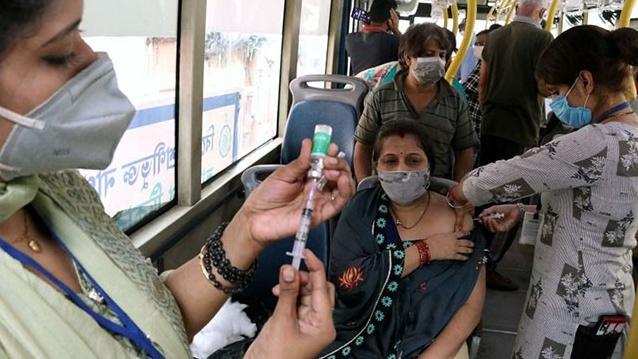Parah! Ribuan Warga India Ditipu, Disuntik Vaksin Palsu Berisi Air Garam
