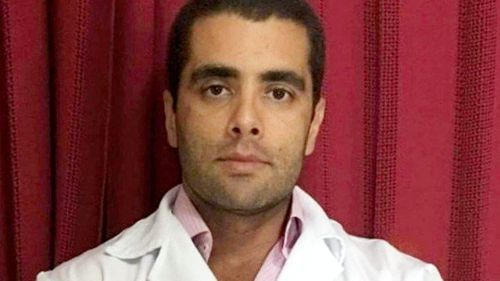 DOUTOR BUMBUM É PRESO PELA PM DENTRO DE CENTRO EMPRESARIAL NA BARRA DA TIJUCA VEJA..