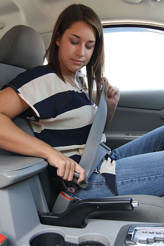 inertia safety belts in car