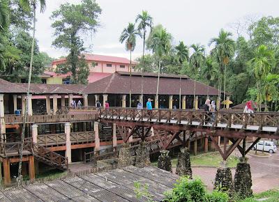 Place of interest in johor bahru hutan bandar johor kaki for Koi pond johor bahru