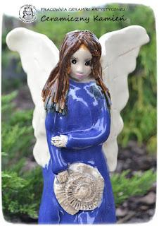 Anioł w tajemniczej szacie