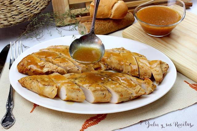 Pechugas de pavo en salsa de pimentón. Julia y sus recetas