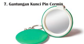 Gantungan Kunci Pin Cermin merupakan salah satu rekomendasi souvenir spesial di hari kartini