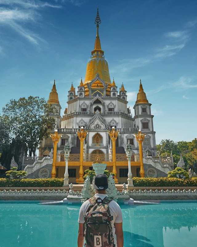 Buu Long and 5 famous sacred pagodas in the southern Vietnam
