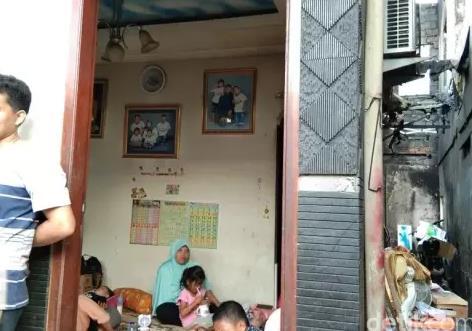 Ajaib Rumah Ini Tetap Kokoh dan Tak Hangus Dalam Kebakaran