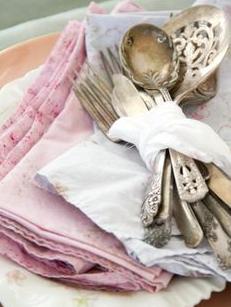 Estilismo para las mesas, table ware: detalles personalizados dando un aire romántico