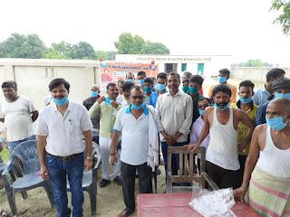 #VBSPU : किसानों, जरूरतमंदों में वितरित हुईं दवाएं, मास्क | #NayaSaberaNetwork